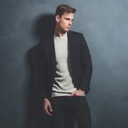 テーラードジャケットのメンズ着こなし。魅せる色別コーデを徹底解説 | Smartlog