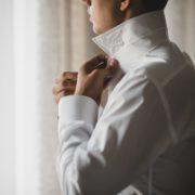 シャツの上手な着こなし方とは?大人メンズに相応しいおしゃれコーデ12選 | Smartlog